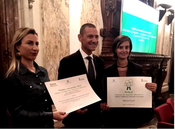 Giulia Manica ritira il premio Didattiva